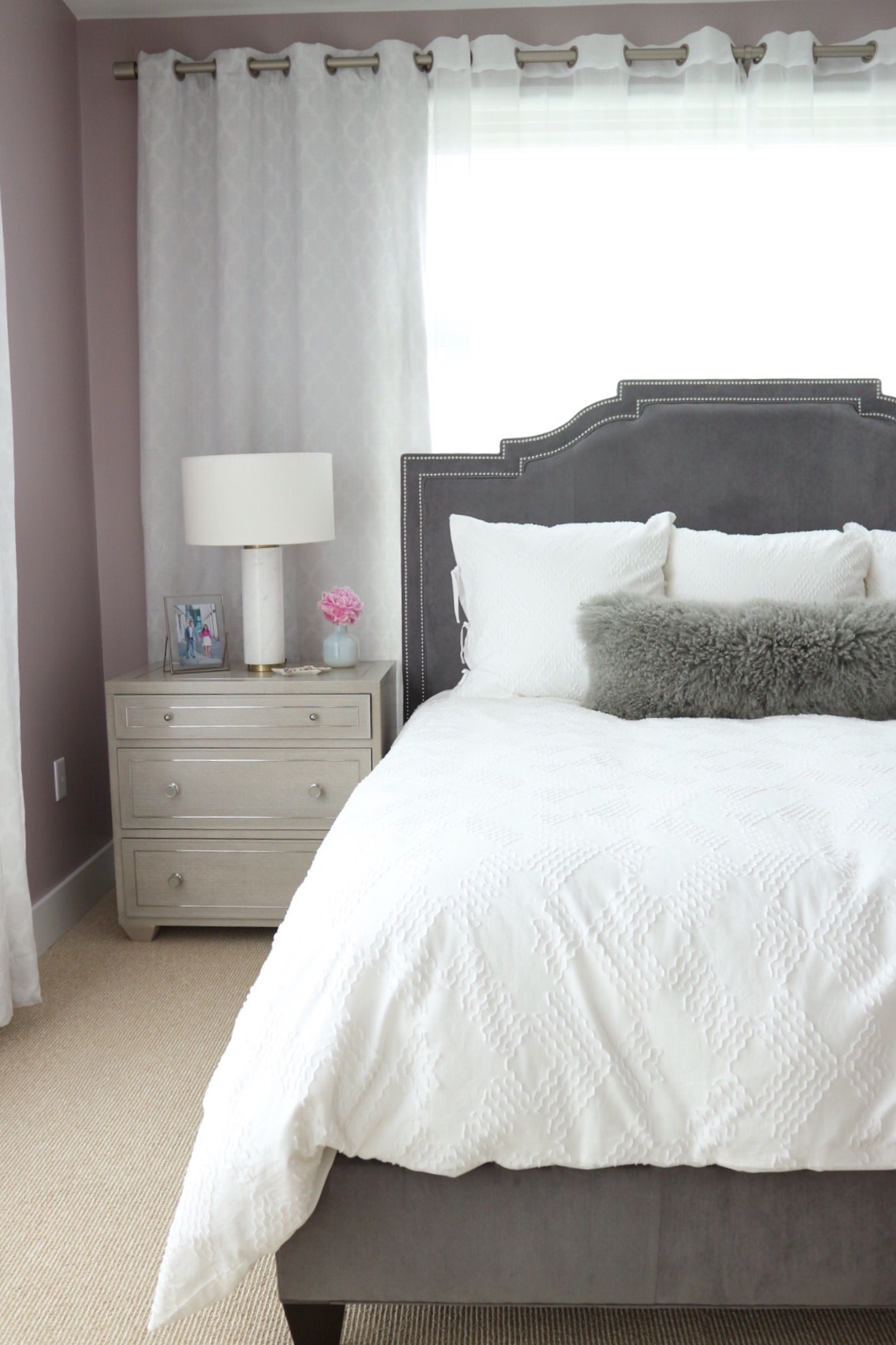sherwin williams chaise mauve, grey upholstered bed