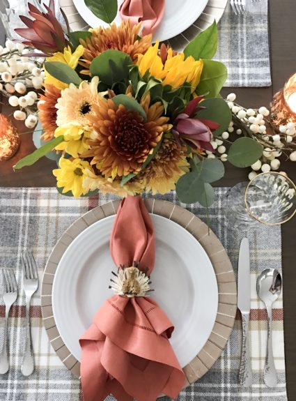 Friendsgiving & Our Thanksgiving Tablescape