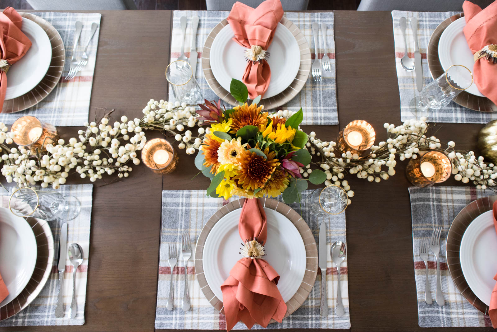 thanksgiving tablescape, plaid placemats