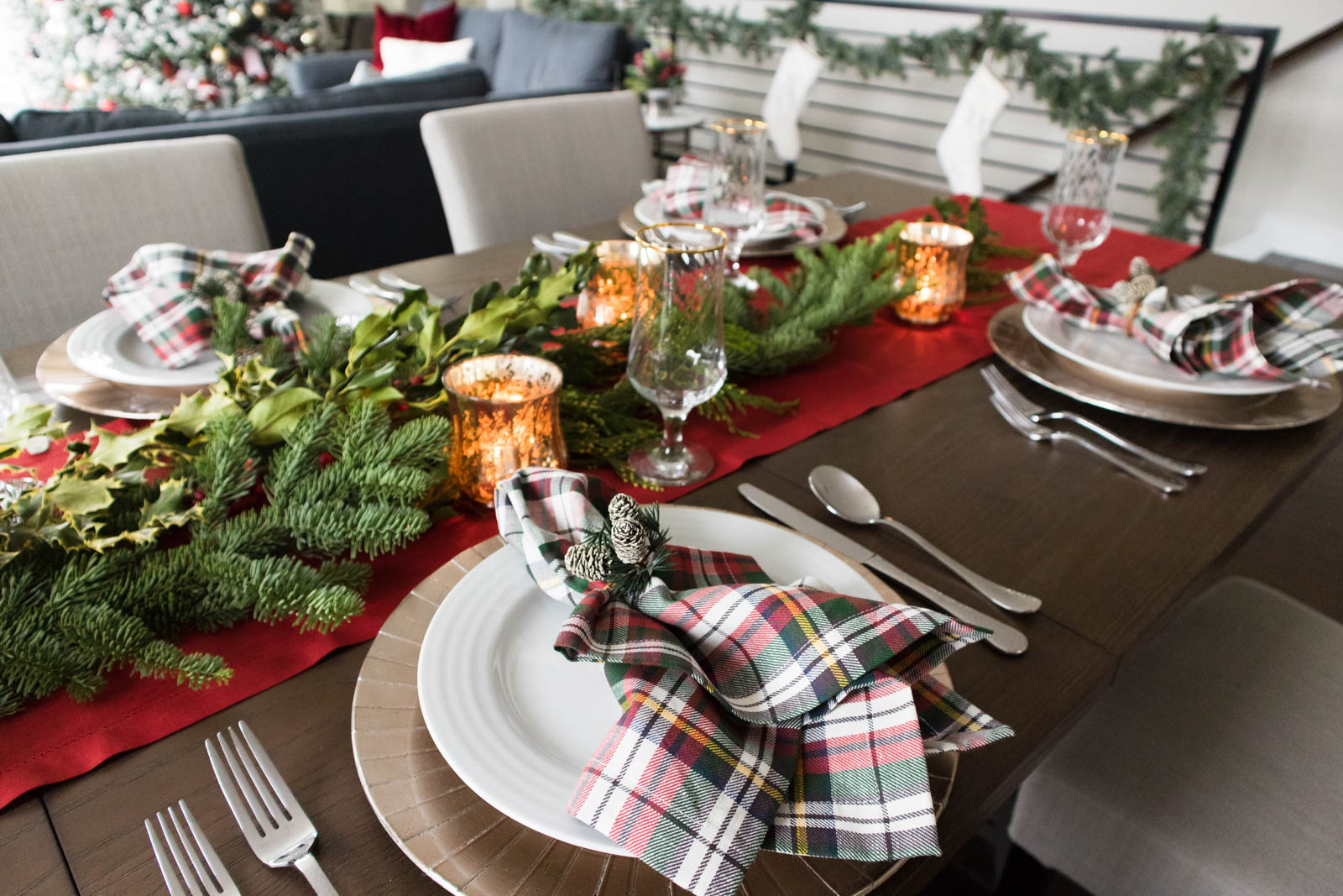 christmas tablescape, holiday tablescape