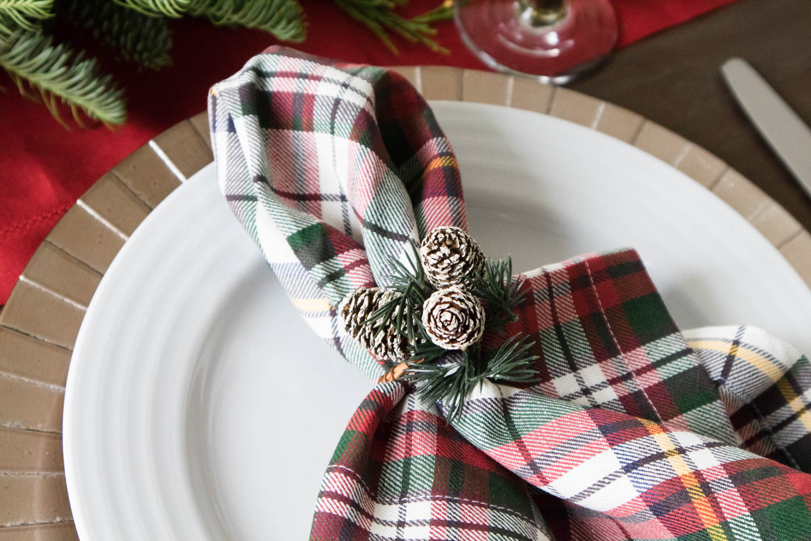 christmas plaid napkin, pinecone napkin ring