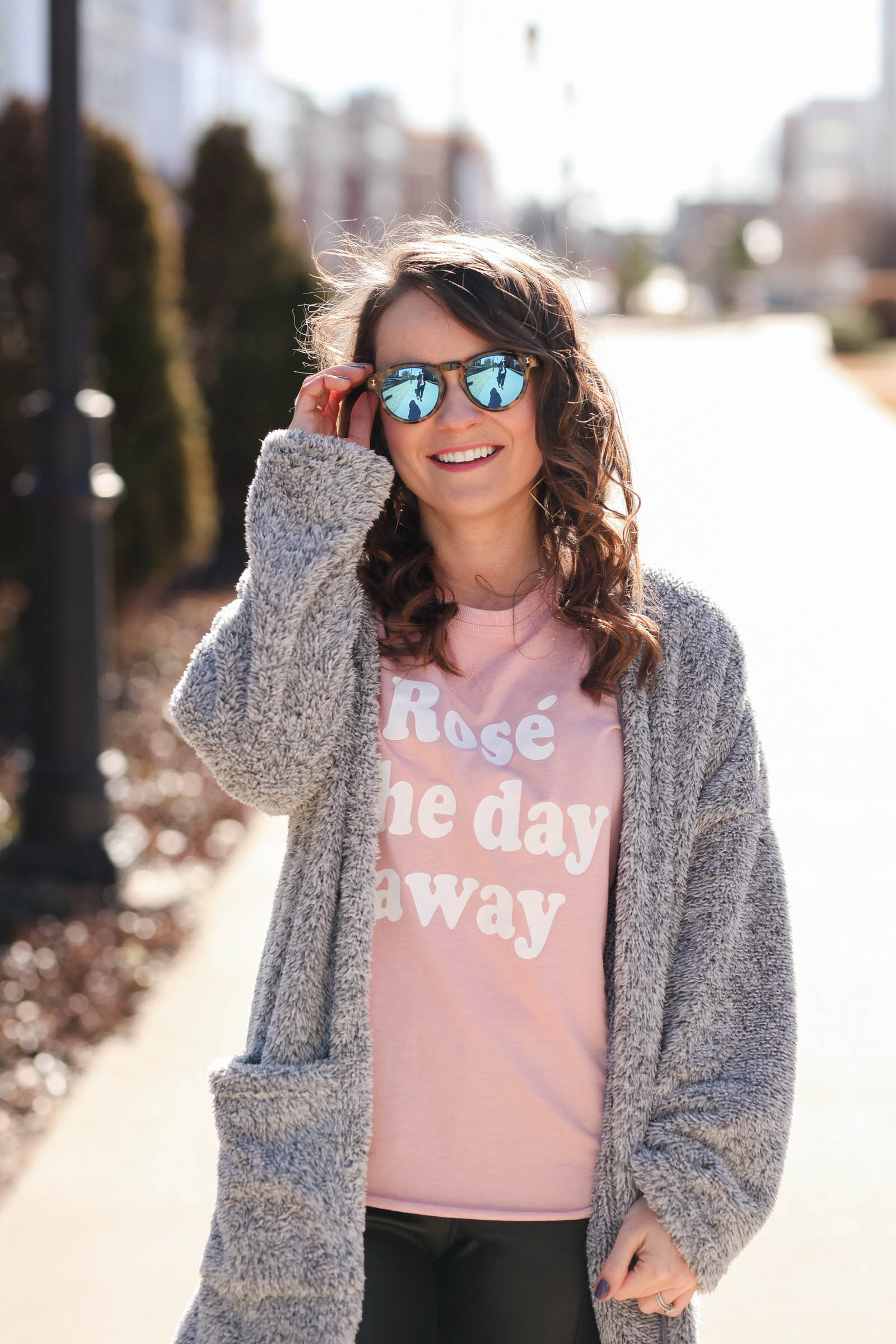 rose the day away tee