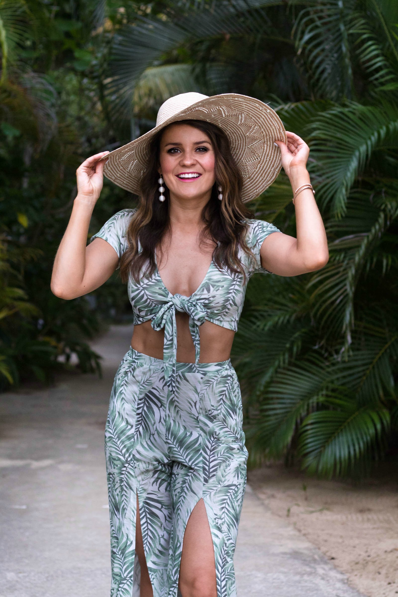 palm print outfit