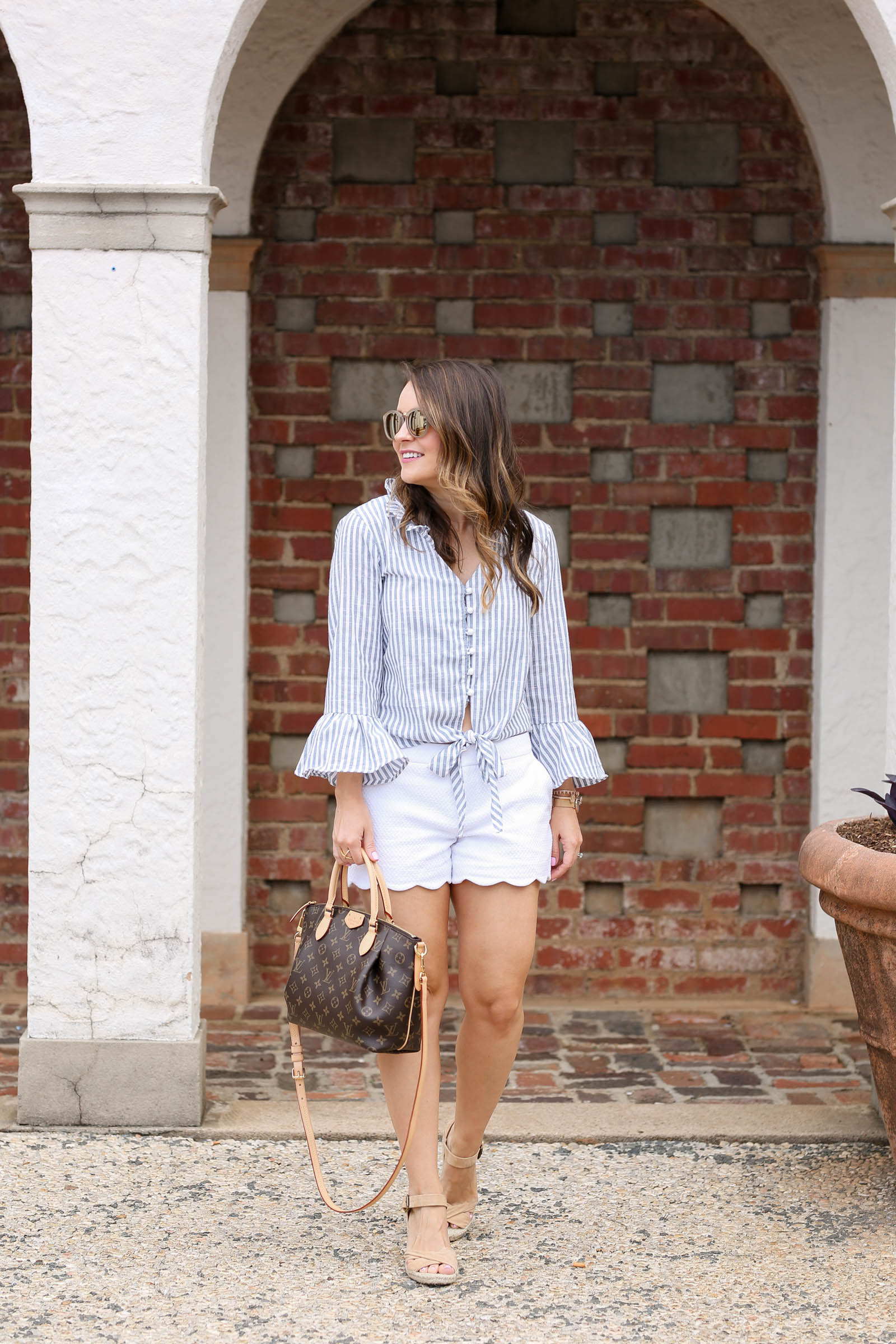 Contrast Striped Knotted Hem Frill Blouse, preppy summer outfit