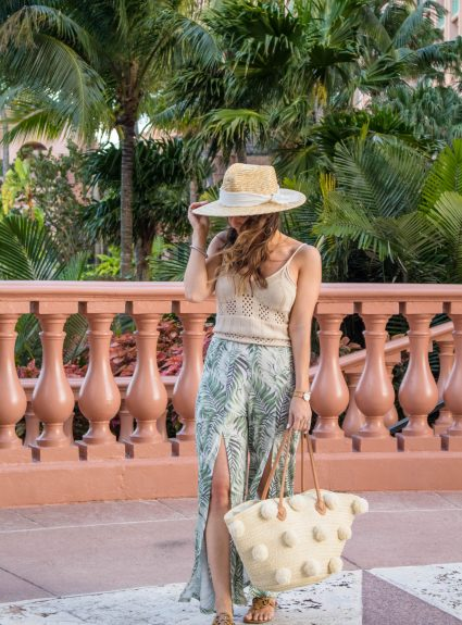 Vacay Look: Palm Print & Neutrals