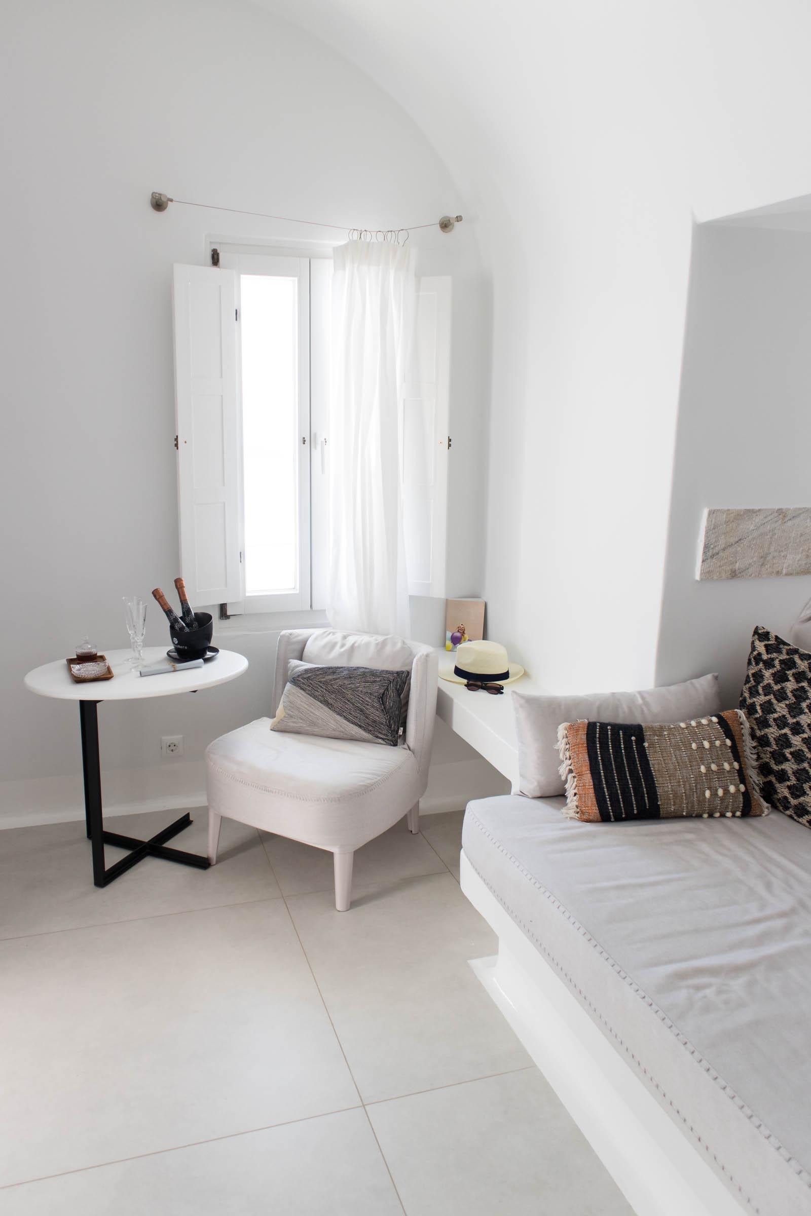 cosmopolitan suites Santorini