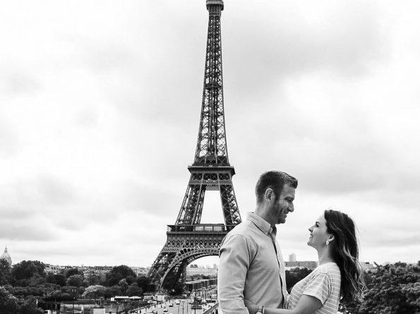 Eiffel Tower couple photo