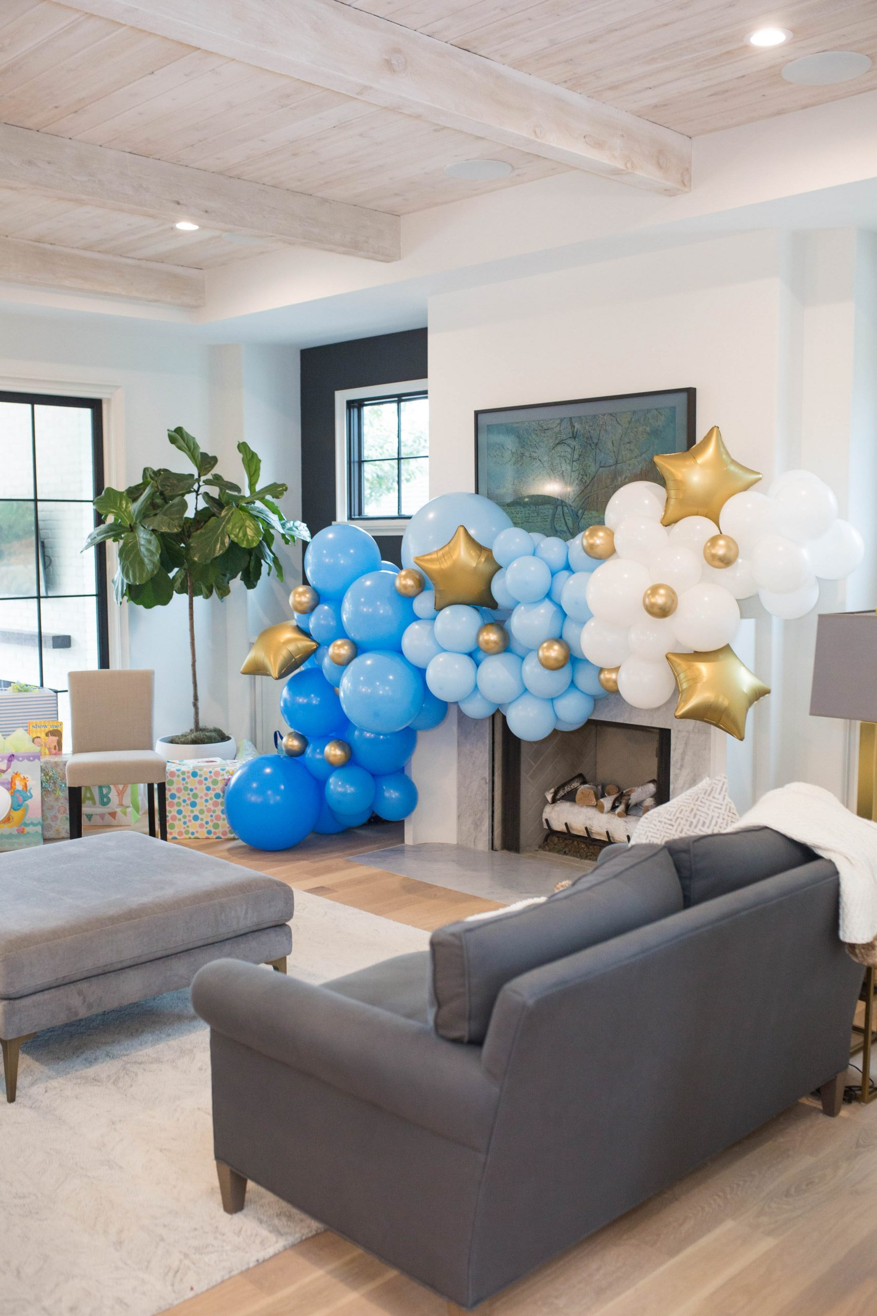 confetti castle balloon garland