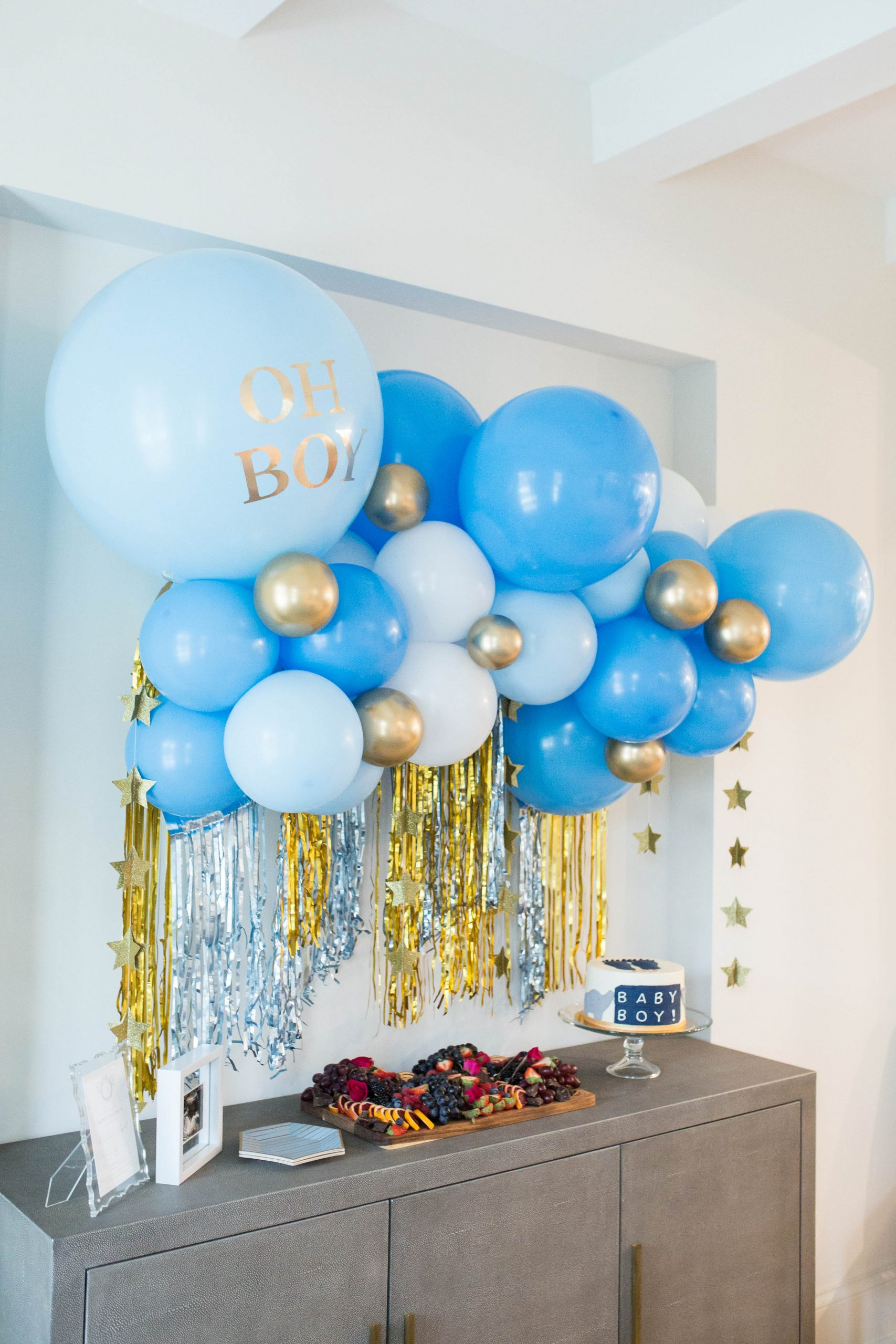 confetti castle, balloon backdrop, baby shower decor