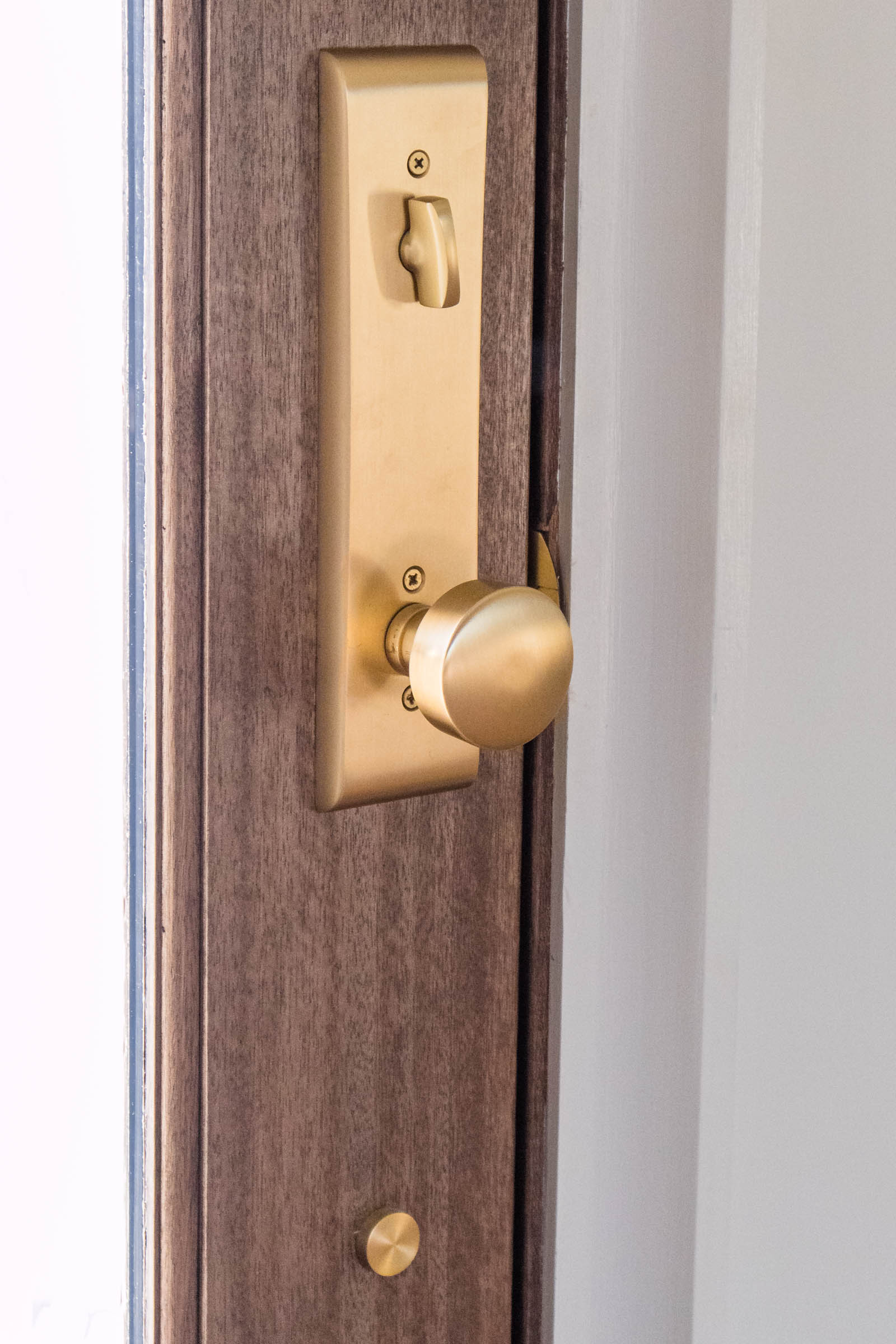 Door Cabinet Hardware Selections With Emtek Medicine Manicures