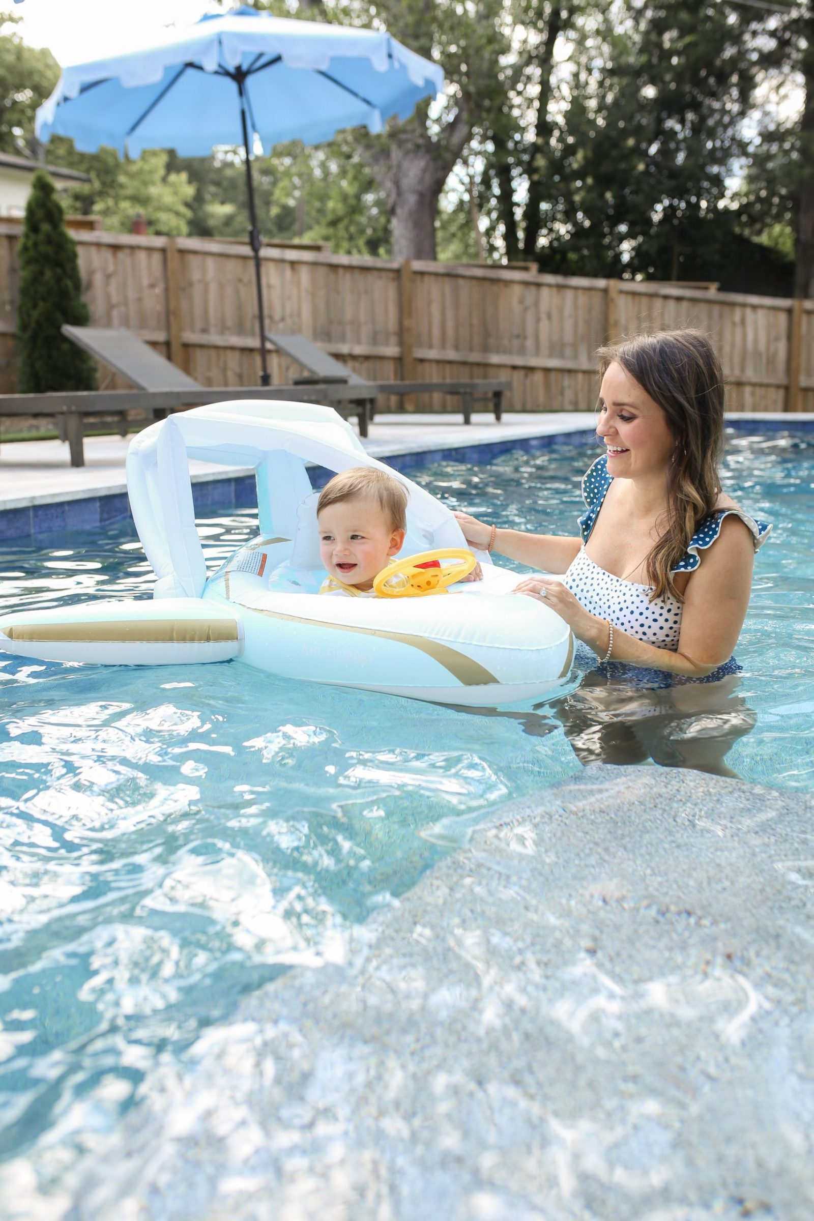 funbaby private jet float
